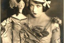 Femmes et poupées