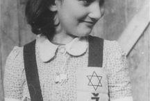 1941 Portret młodej dziewczyny w obozie koncentracyjnym Auschwitz noszenia odznaki żydowskiej.