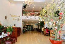 Green World Hotel Nha Trang / Green World Hotel Nha Trang một điểm đến lý tưởng, nằm ngay trung tâm thành phố biển Nha Trang – một trong 29 vịnh biển đẹp nhất thế giới. Từ khách sạn, chỉ mất 3 phút đi bộ quý khách đã được khám phá vẻ đẹp thơ mộng và quyến rũ lạ thường của Biển Nha Trang.