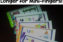 Reading Centers / Fern Smith's Classroom Ideas - Reading Centers Pinterest Board with tips, tricks, resources, crafts and freebies for families and elementary school teachers! / by Fern Smith