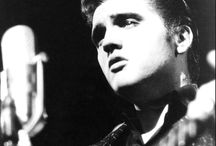 Elvis ... Black & White ...Publicity ... / Publicity, Pose and Misc...