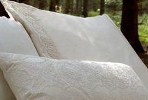 Sweet dreams / Sengelined fra kollektionerne hvidblomst, Månenat og Engblonde samt sengetæpper.