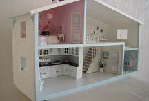 Puppenhaus renovieren / Puppenhaus