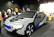 Lego ile kendi BMW i8 Konsept'inizi yaratın! / Her çocuğun rüyası LEGO parçalarıyla otomobil yapmak, Münih'teki LEGO Çocuk Festivali'nde gerçeğe dönüştü. LEGO ve BMW birlikte bir takım oluşturdular ve çocukların bu rüyalarını gerçekleştirdiler. Festivalde küçük büyük bütün ziyaretçiler BMW i8 Konsept'i bir araya getirmeye çalıştılar. Eğer bunun mümkün olamayacağını düşünüyorsanız, galerimize göz gezdirebilirsiniz ;)