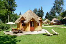 Cottage'Hutte / Le cottage'hutte est construit avec des matériaux naturels et a été spécialement conçu pour allier le côté nature de nos cabanes dans les arbres au confort d'un cottage 4 saisons.