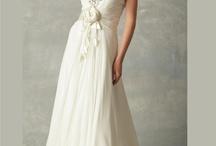 Dresses / by Maddi Burrell
