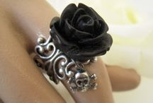 Skulls and roses / Gothic  / by MoMo