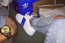 Blue b ✢