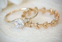 Pretty jewelry/accessories