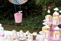 Hot Air Balloon Theme Party and Printables / Whimsical Hot Air Balloon Party Theme thats perfect for little boys and girls!