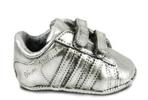 Shoes / We coat with precious metals your baby's first shoe and we create a unique personalized Shine4ever memorabilia