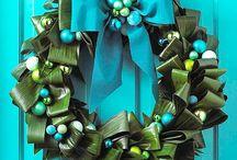 Unique Wreaths / Not your ordinary door wreath / by Desiree Dent