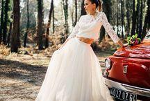 Robe de mariée - Shooting Hossegor / Shooting des modèles Joss, Amy et Vicky / Coiffure : Saint Algue / Bijoux : Atelier des Dames / Photo : Damien Dohmen. Retrouvez-nous sur www.fabiennealagama.com