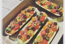 Marjolein Kookt, met liefde! / Marjolein Kookt https://www.facebook.com/Marjolein-Kookt-933824020080585/?fref=ts  Koken gaat over veel meer dan eten bereiden.  Het gaat over liefde, smaak, mooie producten en over mensen. Want lekker eten wordt nog veel lekkerder als je er samen van geniet. Daarom deel ik op mijn facebookpagina mijn passie. Een pagina vol recepten, tips, wetenswaardigheden en leuke plekken om heerlijk te eten.  Smakelijk!
