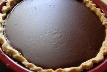 Pies / by Carolyn Johnson