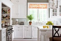 kitchen envy / what can I say, I am drawn to a white kitchen like a moth to a flame...