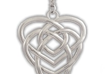 Motherhood Celtic Knot
