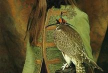 Falconry and fashion / We simply like this!