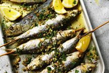 Fish suppers / Healthy recipes and meal ideas all based on seafood. I'm completely obsessed with fish! Cod, plaice, prawns, mussels, crab, shellfish, oooooh maybe even oysters... I don't mind if it comes from the sea.