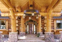 Dazzling Doorways / Take a peek at these dazzling log doorways and archways.