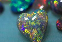 Opals / Opals of all kinds!