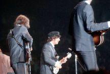 """Beatles or fab / """"Girare il mondo con i Beatles era come essere sulle montagne russe"""". George Harrison"""