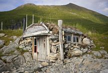houses, cabins og holes to live in