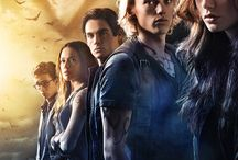 The Mortal Instruments: City of Bones (2013) / When her mother disappears, Clary Fray learns that she descends from a line of warriors who protect our world from demons. She joins forces with others like her and heads into a dangerous alternate New York called the Shadow World.  Staring: Lily Collins, Jamie Campbell Bower, Kevin Zegers, Jemima West, Robert Sheehan,  Godfrey Gao, Lena Headey, Jared Harris, Jonathan Rhys Meyers, Aidan Turner, Kevin Durand, Robert Maillet ...
