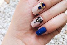 pintando as unhas