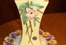 McCoy Blossom Vase-Ca.1946 -Mint
