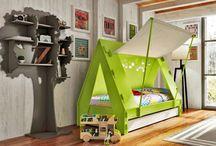 Faszination Kinderzimmer / Man kann einfach zu IKEA fahren und ein hübsches Zimmer einrichten, man kann aber auch richtig kreativ sein. Hier gibt`s unglaublich tolle Ideen