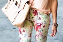 kvetinove a barevné kalhoty