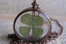 Four Leaf Clover / Crafts with four leaves clover
