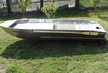 Barque avec plateforme / Barque Small boat Barque de pêche
