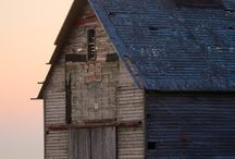 Beautiful Barns / A variety of beautiful barns from across the country