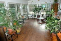 Sun Rooms, porches, 4 season rooms / Interesting sun rooms, screened in porches, & more