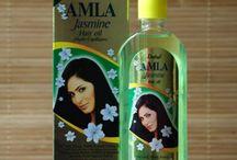 Olejki do włosów Hair Oils / Olejki do pielęgnacji włosów Khadi, Sesa, Dabur, Hesh, Babuszka Agafia, Himalaya.  Szeroki wybór olejków przeciw wypadaniu włosów, przyspieszających ich porost, głęboko nawilżających i nadających włosom blask.Olejki zawierające takie zioła jak: amla, henna, brahmi, neem, Naturalne olejki zwalczające problemy skórne, takie jak łupież, łuszczyca, świąd, wypadanie włosów, łysienie itd..