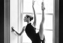 ✿ Tanec ✿ / Miluju tanec, fascinuje mě - nejraději tančím sama pro sebe a jedním z mých snů je tančit v páru jak klasiku, tak latinsko-americké tance :-) <3
