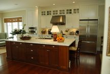 Maki Kitchen: A mix of white and wood cabinets, a great kitchen design! / This custom built kitchen for the Alexander family is truly the heart of the home. Your Style, Our Craftsmanship, Shared Pride! La Cuisine Kitchen Cabinets