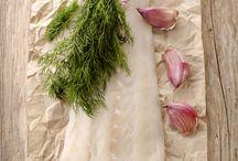 """Il segreto del baccalà / Luigi Russo sa che il segreto del baccalà è la temperanza: che è una virtù morale, ed è anche l'arte di """" temperare"""", di armonizzare, la triplice natura di un piatto sapori, odori e colori."""