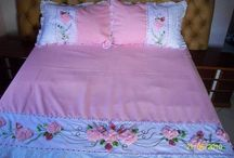 cama bordada