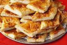Baklavalık yufkadan büzgülü peynirli börek