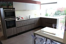 Cocinas y servicios Fontgas / En Fontgas ofrecemos la reforma integral de tu cocina. Diseño, amplia gama de materiales a escoger, electrodomésticos, mobiliario... ¡Crea tu cocina con nosotros!