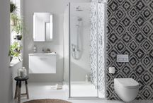 Black & White Bathrooms - Inspiration / A hand curated collection of black and white bathroom ideas. Featuring black bathroom accessories, white basin taps, white bathroom furniture and sleek black baths, this board has what it takes to transform your bathroom.