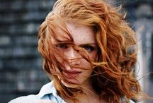 Hairstyles / by Niki Torres