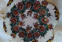 Poggia caffettiera in ceramica dipinto a mano.Decoro Floris, by ilciliegio, 9,00 € su misshobby.com