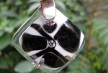 Joyería Artesanal AM-ART-GLASS / Joyas realizadas en cristales y plata