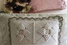 Pillows & cushions
