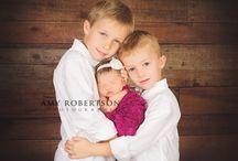 Newborn poses siblings