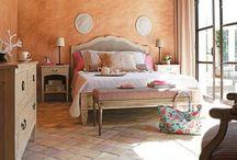 Decor- Bedroom / by Carolyn Lutz